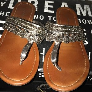 Jessica Simpson thong sandals
